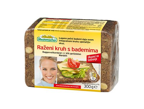 Raženi-kruh-s-bademima
